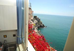 Amalfi Apartment Sleeps 2 - AbcAlberghi.com