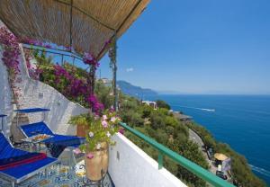 Conca dei Marini Apartment Sleeps 4 T721492 - AbcAlberghi.com