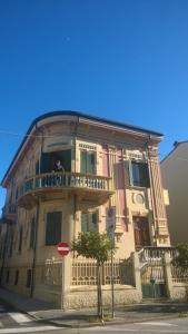 casa davanti alla pineta - AbcAlberghi.com