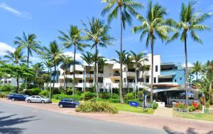 Seascape Holidays - The Peninsula Apartments (Adults Only)