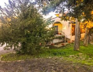 Casa Indipendente con Giardino e Parcheggio Privat - AbcAlberghi.com