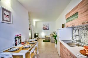Modern apartment close to center- FREE PARKING, 10000 Zagreb