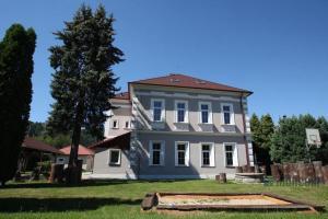 UniqHotel Vojkovice nad Ohři - Radošov