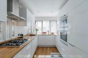 4 Bed Westerry E14 House - London