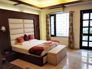 Green Nest - Private Garden with Your Room, Priváty  Gurugram - big - 5