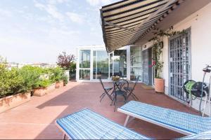 attico con terrazzo navigli bocconi - AbcAlberghi.com