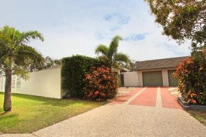 6 Petrie Ave, Marcoola, Pet Friendly, Linen supplied - Marcoola
