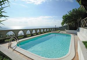 Conca dei Marini Villa Sleeps 6 Pool Air Con WiFi - AbcAlberghi.com
