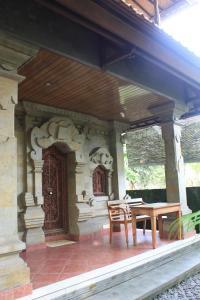 Villa Bhuana Alit, Гостевые дома  Убуд - big - 77