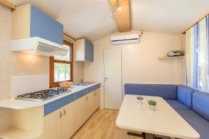 Albatross Mobile Homes on Camping Bijela Uvala, Dovolenkové parky  Poreč - big - 6