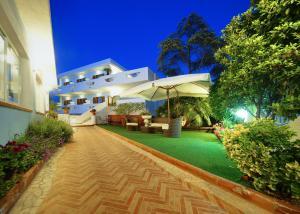 Iris Hotel - AbcAlberghi.com