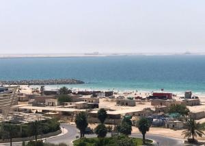 Charming Condo With Sea View At Al Khan Lagoon - Khān