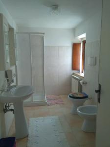 B&B Villa d'Aria, Bed & Breakfasts  Abbadia di Fiastra - big - 5