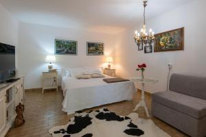 Llr Apartments