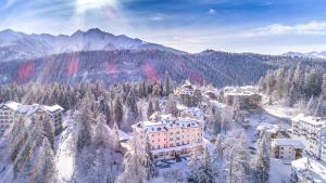 Romantik Hotel Schweizerhof, Hotels - Flims
