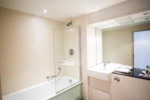 Mercure Warwickshire Walton Hall Hotel & Spa (4 of 120)