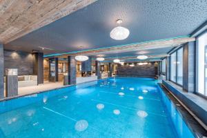 Aktiv- & Wellnesshotel Bergfried 5 Star - Hotel - Hintertux