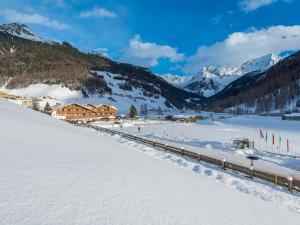 Hotel Bacher - Riva di Tures