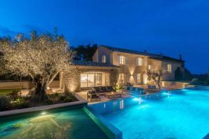 New renovated Villa - seven bedrooms - AbcAlberghi.com