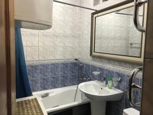 Apartment Roz, Apartments  Sochi - big - 15