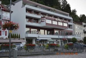 Hotel Harzer am Kurpark - Bad Herrenalb