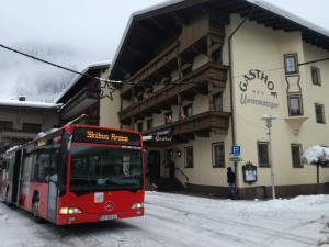 Gästehaus Untermetzger - Hotel - Zell am Ziller