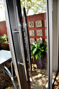Saffron Guest House, Penziony  Johannesburg - big - 60