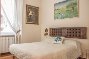 BORROMEI- Nuovo appartamento nel centro storico - AbcAlberghi.com