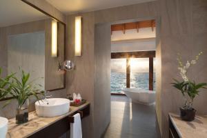 Anantara Dhigu Maldives Resort (20 of 118)
