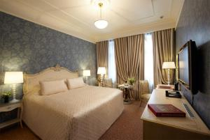 Radisson Royal Hotel (2 of 59)