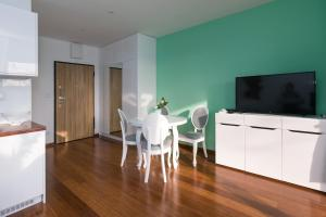Green River Apartment