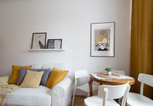 Old Town Comfort Apartment