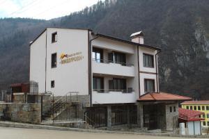 Къща за гости Мишурови