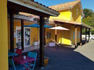 Hôtel Némo . Aéroport de Pau - Hotel - Sauvagnon