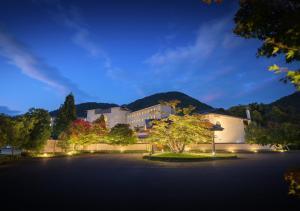 Iizaka Onsen Surikamitei Ohtori - Hotel - Fukushima