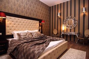 Hotel Boutique Restaurant Gloria, Отели  Тирана - big - 9