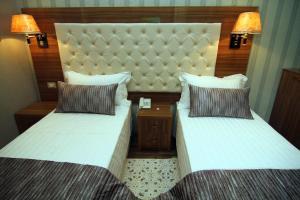 Hotel Boutique Restaurant Gloria, Отели  Тирана - big - 64