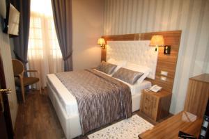 Hotel Boutique Restaurant Gloria, Hotely  Tirana - big - 82