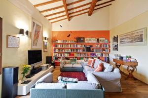 Amazing Villa w/Garden and Parking - San Frediano - AbcAlberghi.com