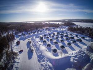 Arctic SnowHotel & Glass Igloos - Meltosjärvi