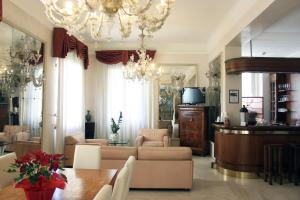 c-hotels De Rose Palace - AbcAlberghi.com