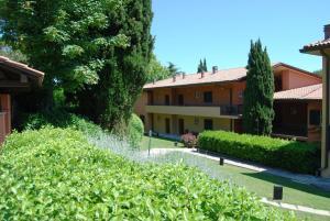 Residenze Al Colle Dei Pini - AbcAlberghi.com