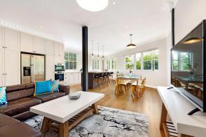 Lavender Bay - 2 Bedroom Harbourview - LAV17WAI - North Sydney