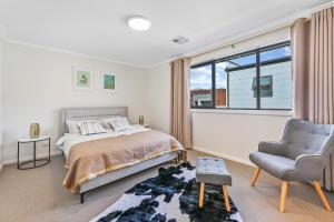Accommodation in Riverstone