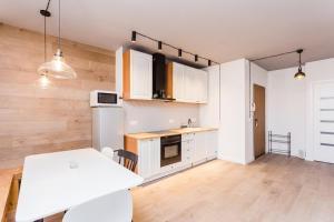 Warsaw Lux Apartament Hoża, 6 -7 people