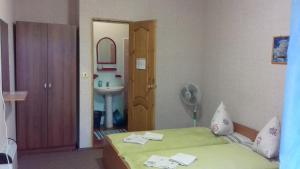 Guest House Kamelia, Affittacamere  Pizunda - big - 11