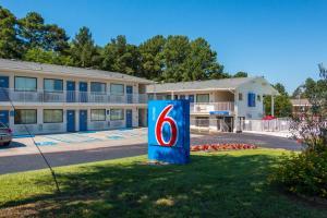 Motel 6 Longview - Longview