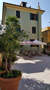 Il Giardino dei Limoni Apartments - AbcAlberghi.com