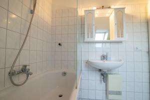 Tolstov-Hotels Old Town Apartment, Ferienwohnungen  Düsseldorf - big - 9