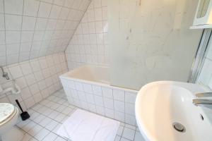 Tolstov-Hotels Old Town Apartment, Ferienwohnungen  Düsseldorf - big - 14